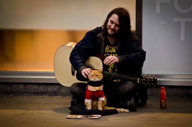 Bob'tan umut alan ve hayata hiç başlamadığı kadar iyi başlayan James, uyuşturucuyu tamamen bıraktı…