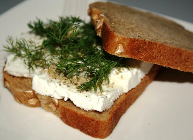 1. Peynir ve ekmek